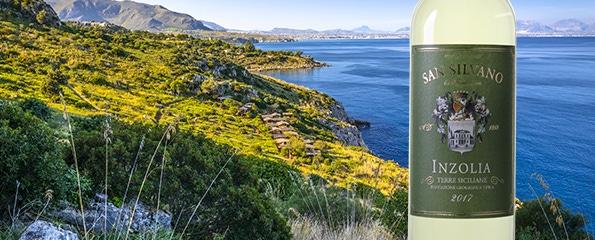Wonderschone witte wijn, op Sicilië